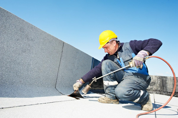 When Should You Call A Professional Roofer?