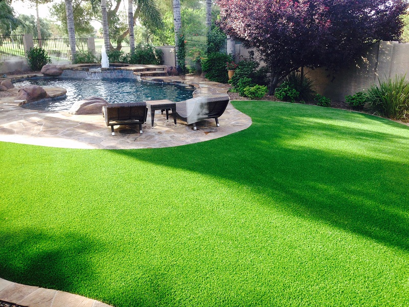 Artificial Turf Produces a Beautiful Garden You'll Be Proud Of