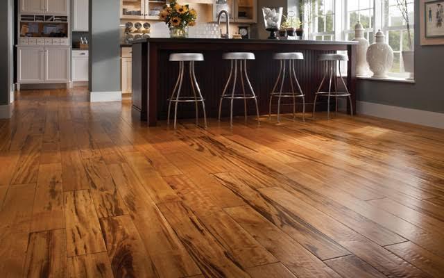 Decorating with hardwood floors